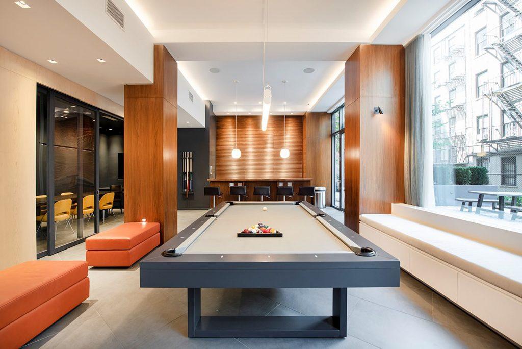 250 East Houston Lounge